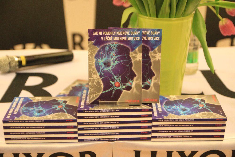 Kniha Jak mi pomohly kmenové buňky v léčbě mozkové mrtvice