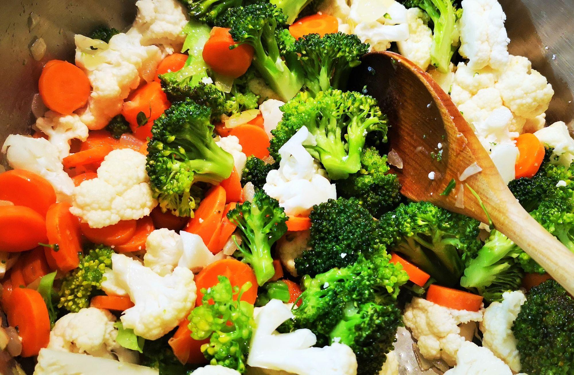 Restování zeleniny nadhal zčervené čočky